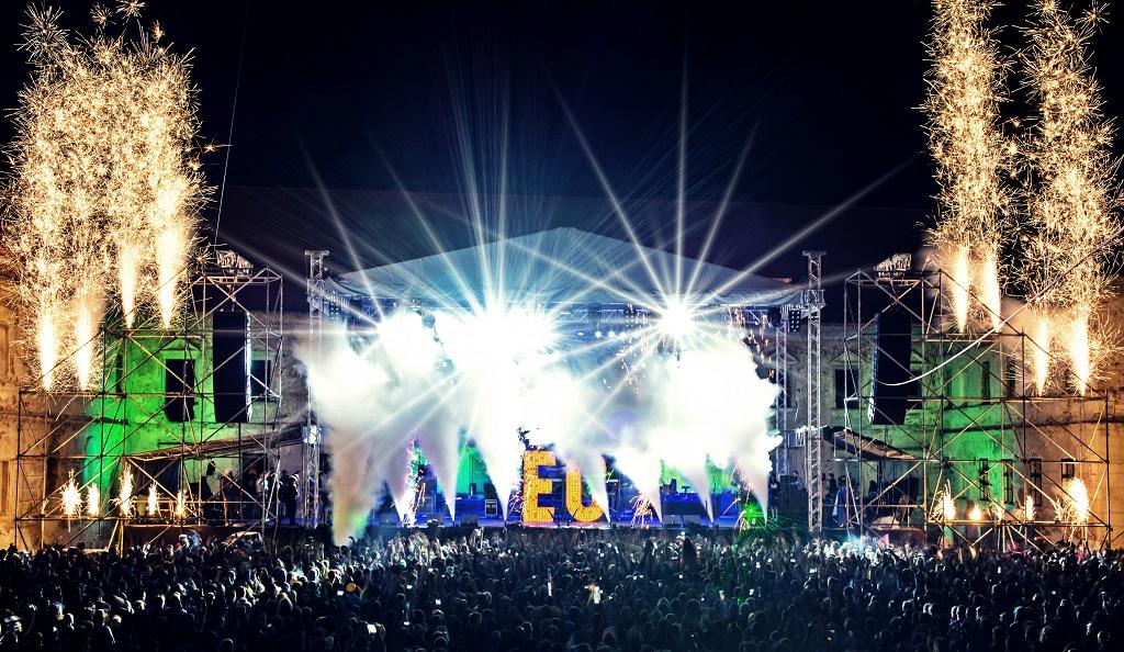 Electric_Castle
